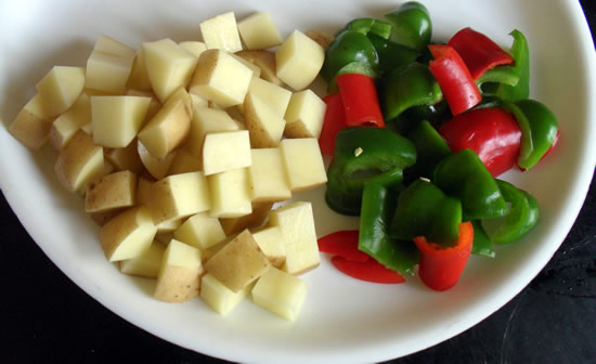Aaloo capsicum Dry Ingredients