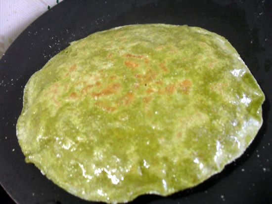 Palak Cheese Paratha step 5