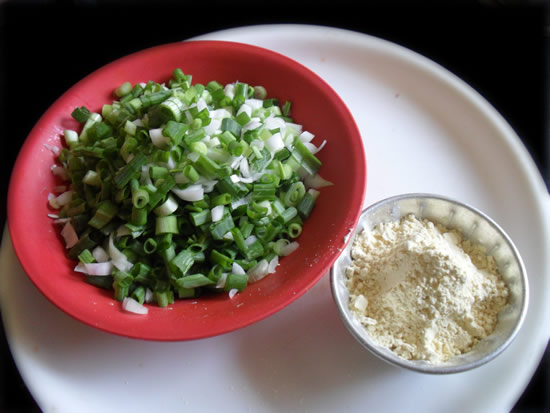 Green Onions Fried with chickpea flour ingredients