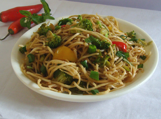 Thai noodles quick stir fried