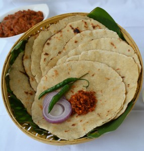 Gluten Free Flat Bread With Shorghum Millet (ज्वारीची भाकरी)