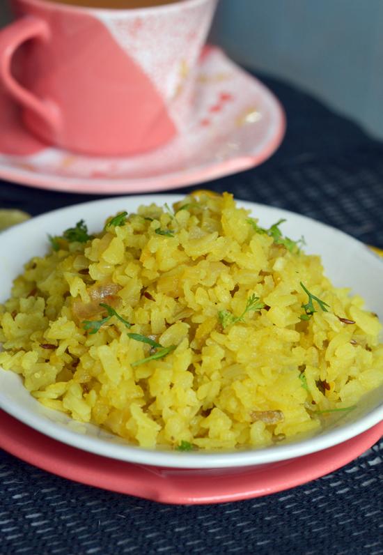 Kanda Poha Recipe | Kande Pohe Recipe | Maharashtrian Recipes